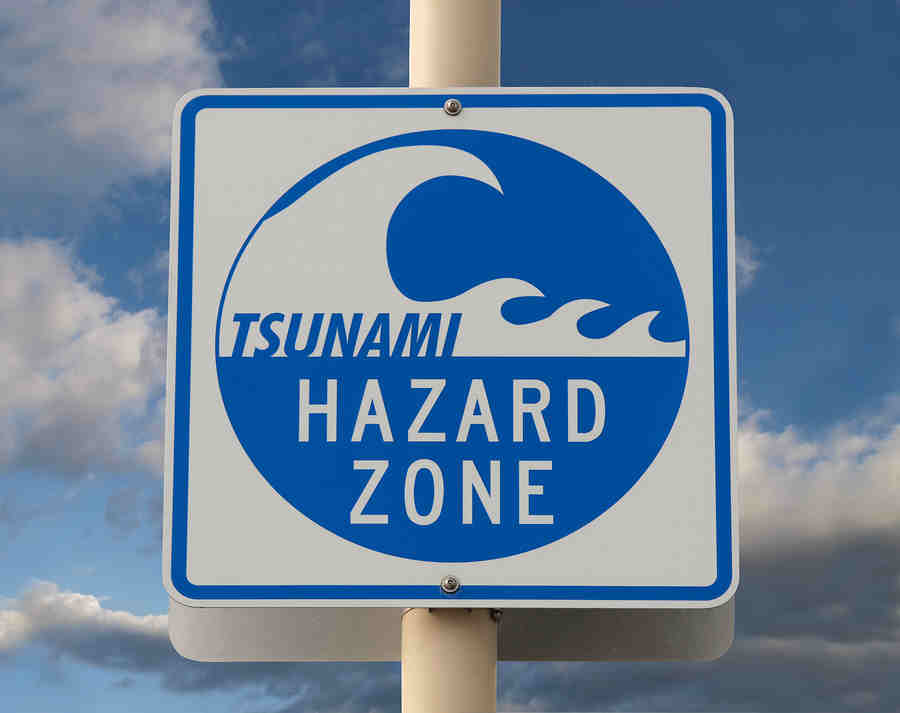 Early warnings facts - earthquakes tsunami floods